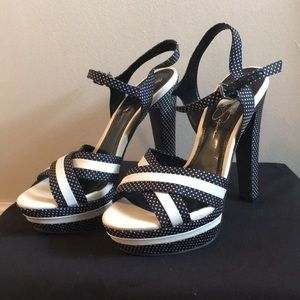 Jessica Simpson pin-up style heels!